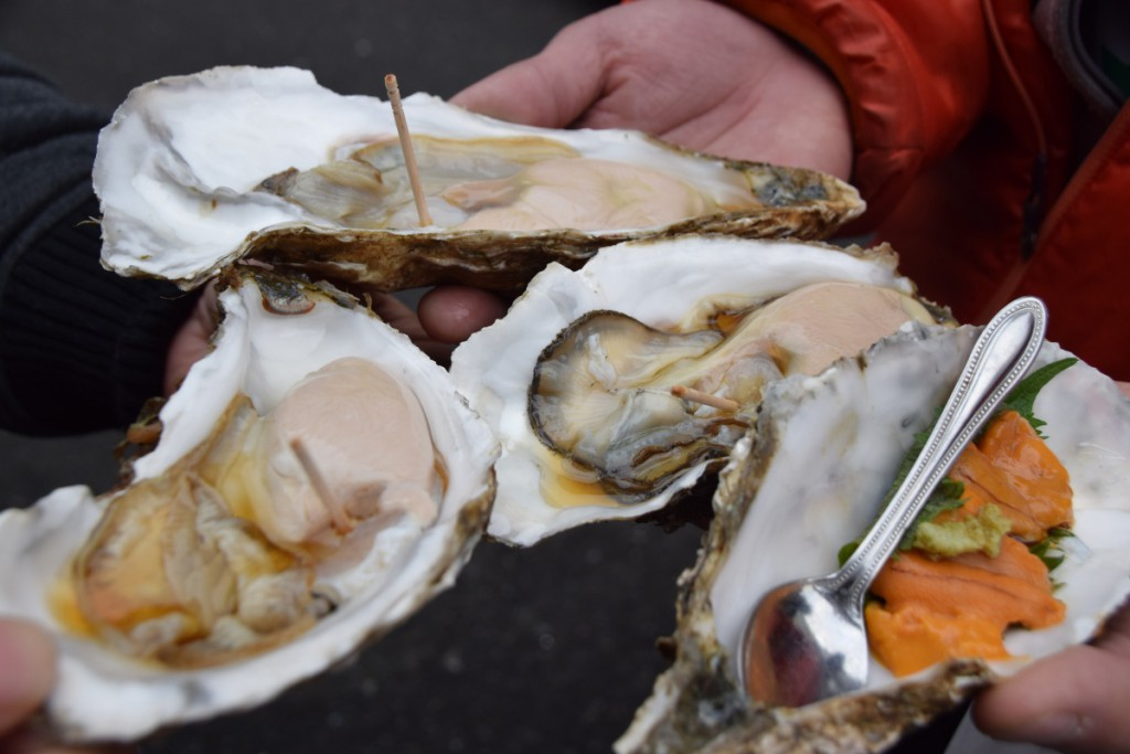 kaki oyster shell tsukiji market