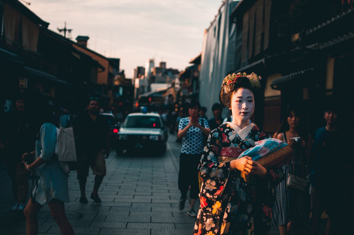 Gion District, Kyoto, Geisha, Maiko, Kamo River, Yasaka Shrine, Maruyama Park, Hanamikoji, Shirakawa Canal, Gion Corner, Family Friendly Itinerary in Japan