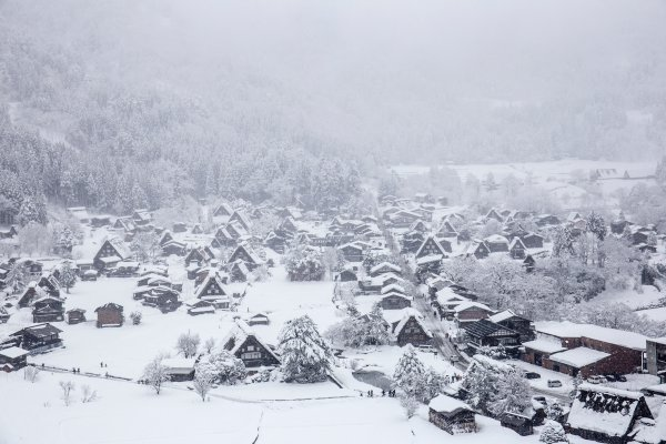 gassho-zukuri in Gokayama & Shirakawa-go covered in snow