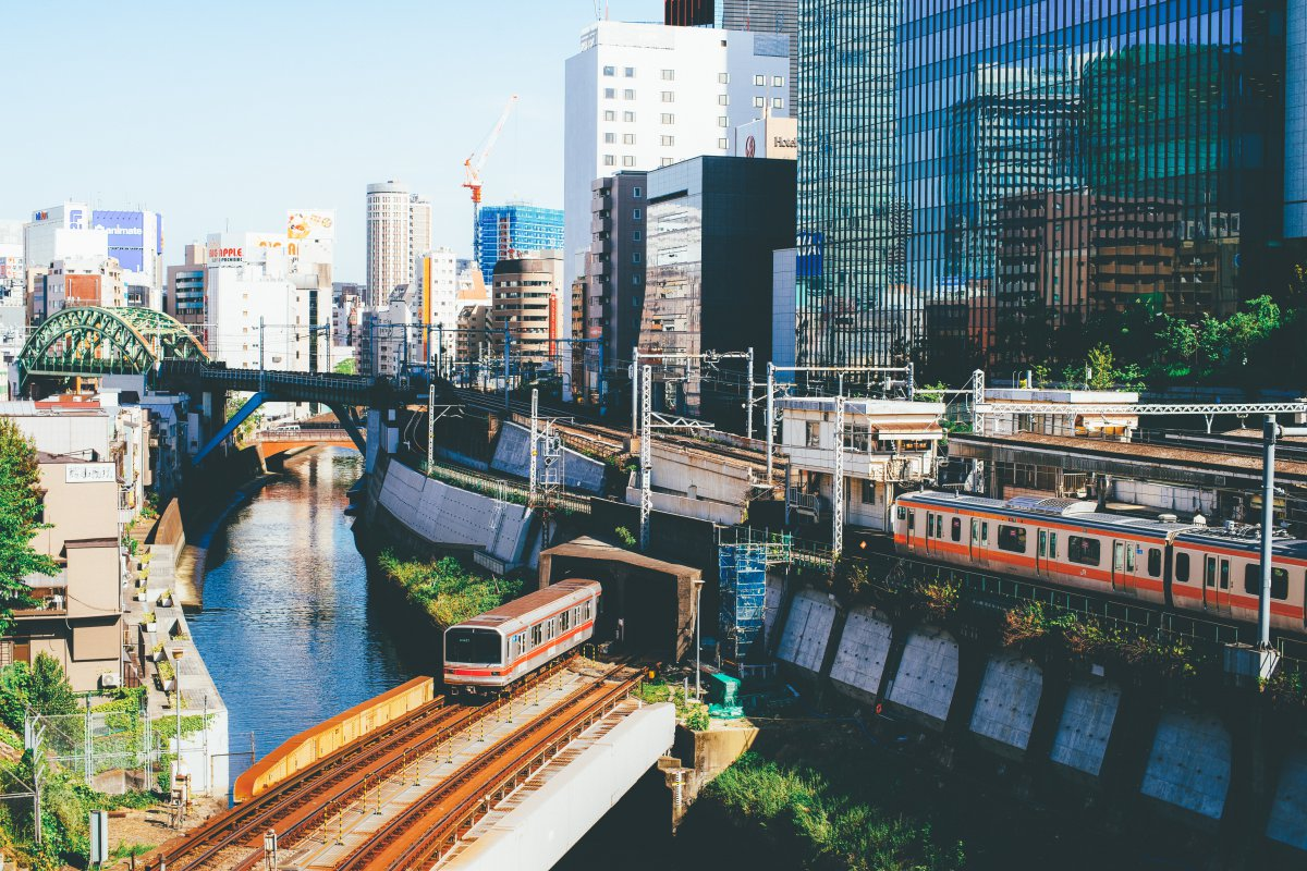 Train Hijiribashi bridge tokyo
